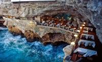 Ресторан в пещере в Полиньяно-а-Маре, Италия